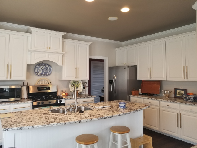 Revitalize Your Cabinets with Cabinet Refacing